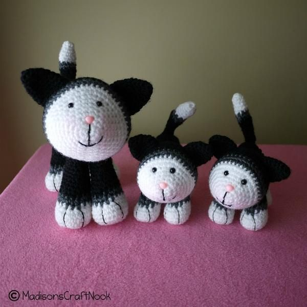 Mittens and kittens - via @Craftsy