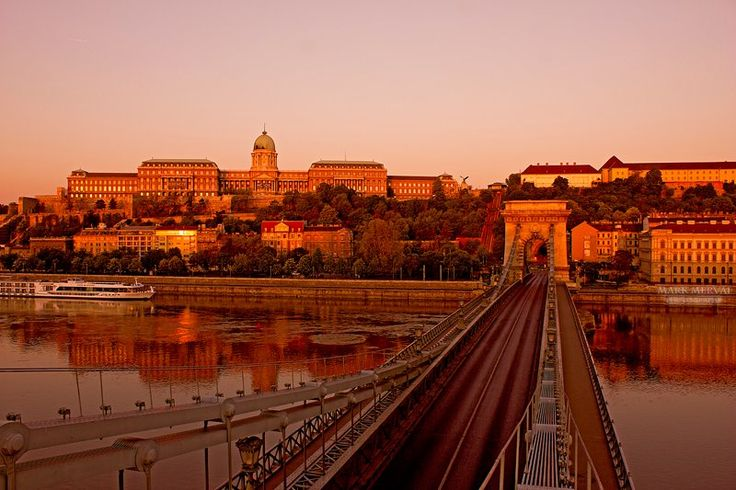 Sunrise in Budapest with Chain Bridge and the Buda Castle...