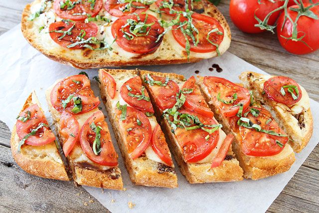 i want to eat this every day for the rest of my life. ::: Caprese Garlic Bread