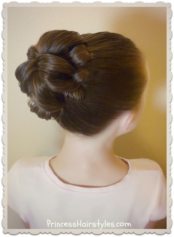Easy topsy tail bun tutorial. Only 1 hair tie, and no bobby pins!
