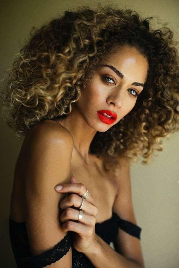 Cortes de pelo corto rizado 2015: fotos de los cortes - Media melena afro