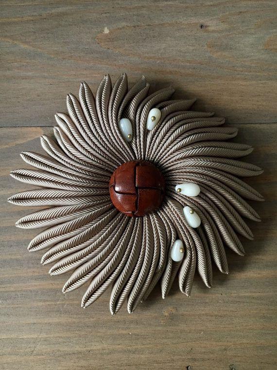 Sea flower brooch  Gentleman's nostalgia   Brown by RafaPeinador