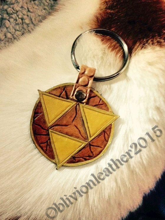 Leather Triforce Keychain Zelda Link Video by OblivionLeatherCraft