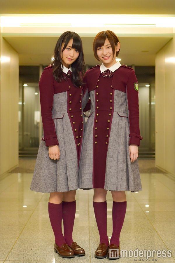 左から:菅井友香、志田愛佳(C)モデルプレス