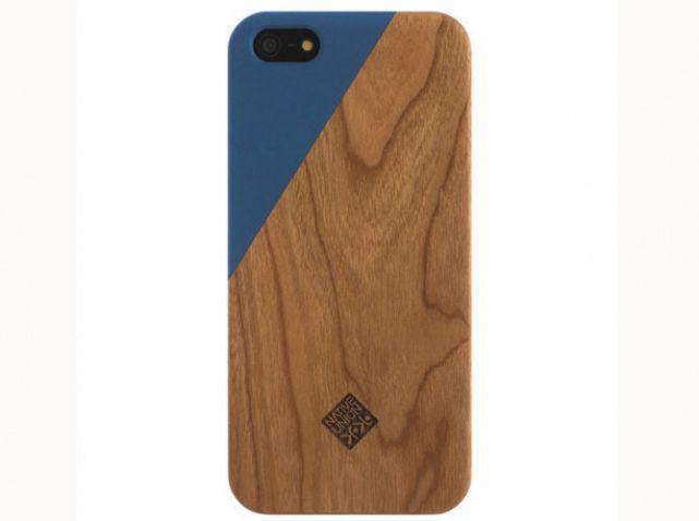 Une coque d'#Iphone c'est un #cadeau pour le #quotidien, alors autant la choisir #graphique et #naturelle pour votre #homme. © Native Union