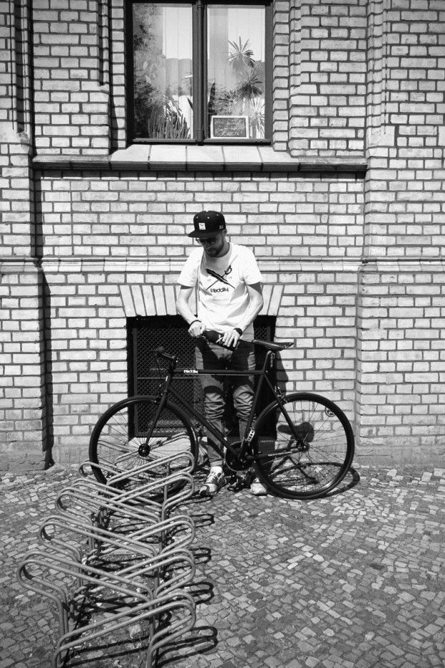 iRIDEdaily Singlespeed/Fixie – The Black Edition