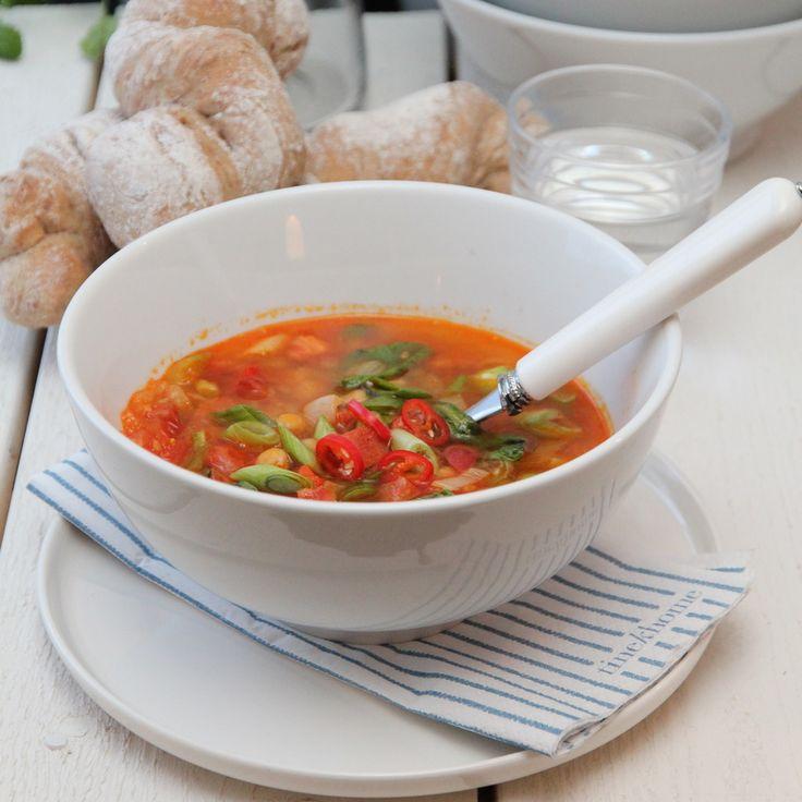 Spansk suppe med chorizo, kikerter og chili - TRINEs MATBLOGG