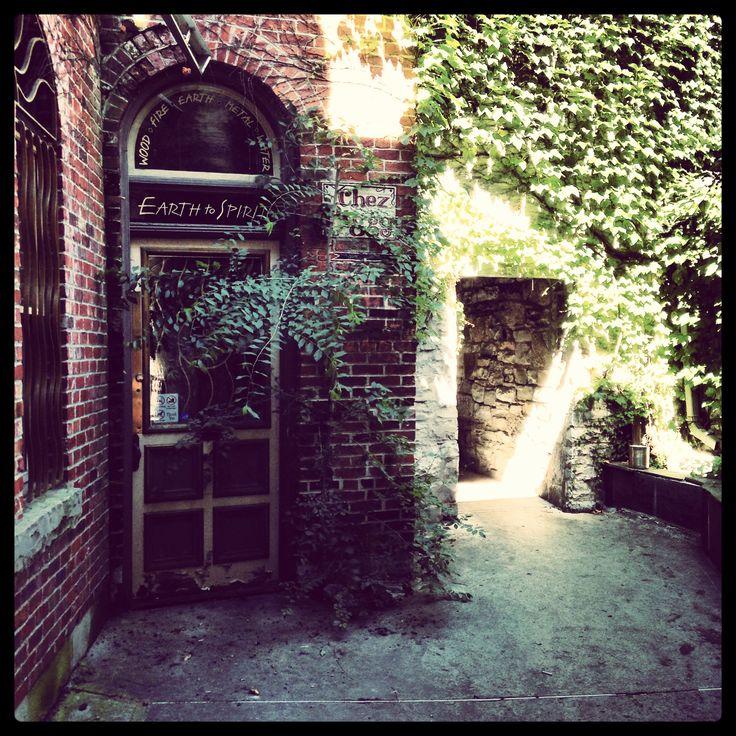 Back alleyway, Kingston, Ontario