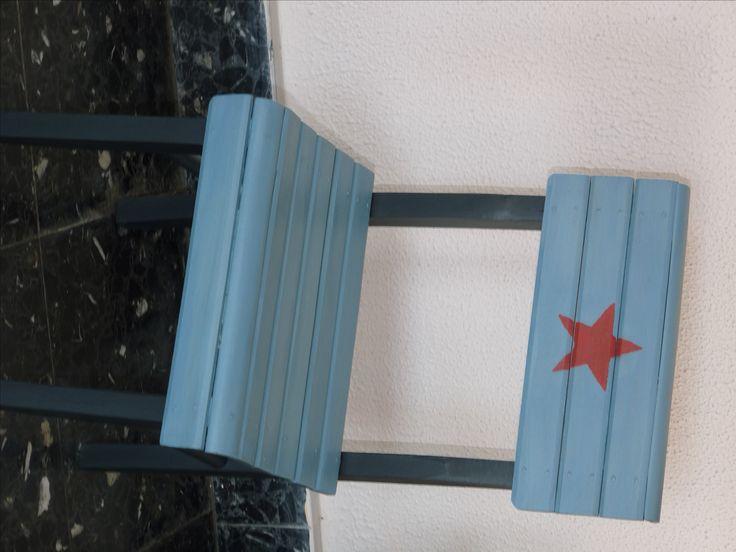 Chaise Enfant Bleue Et Grise, Étoile Rouge