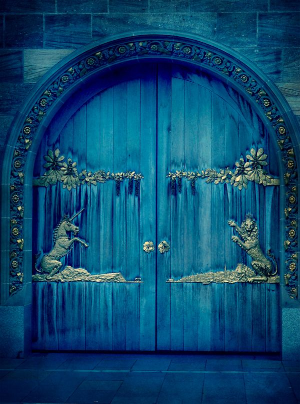 Edinburgh, Unicorn door ✿⊱╮JS...I don't know what the translation is, but I bet it's freakin' awesome!
