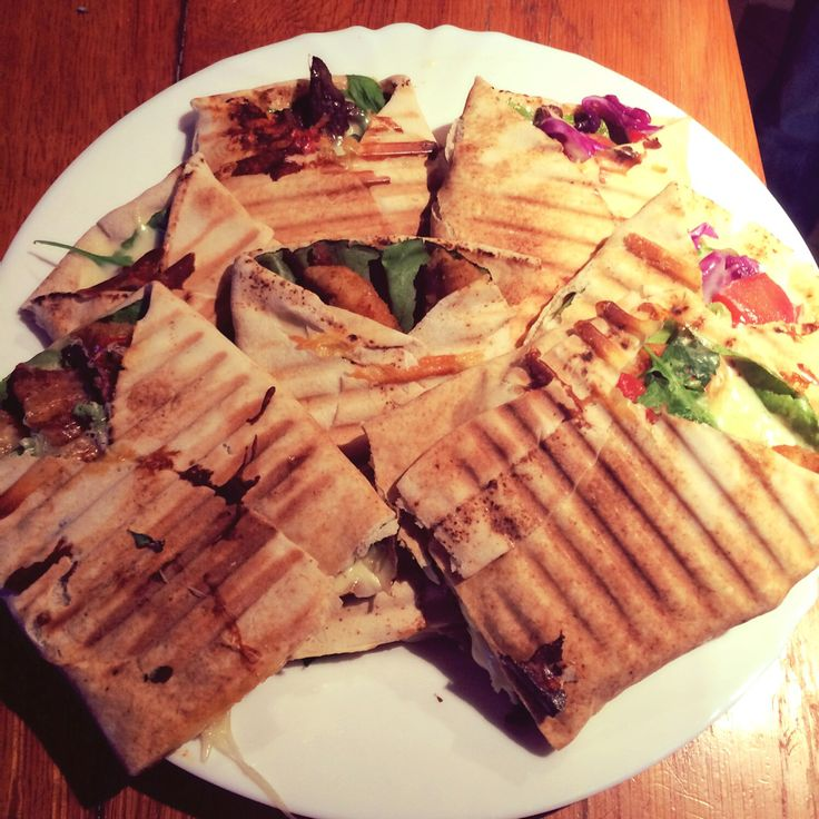 #wrap #chicken #beef #rucola #salate #onion #tomato #cheese