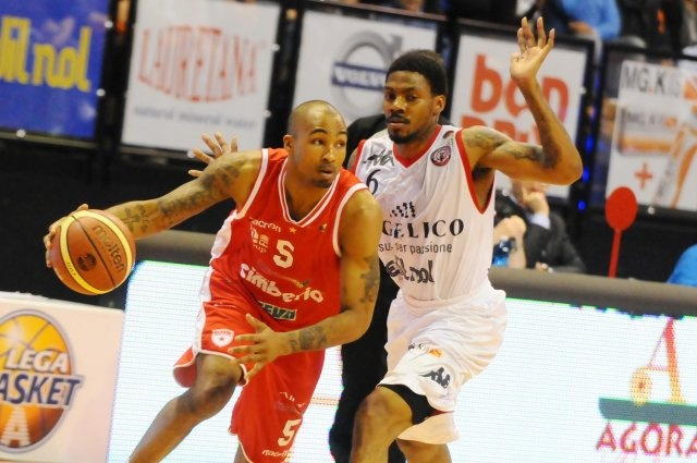 Varese Pallacanestro vittoria a Biella
