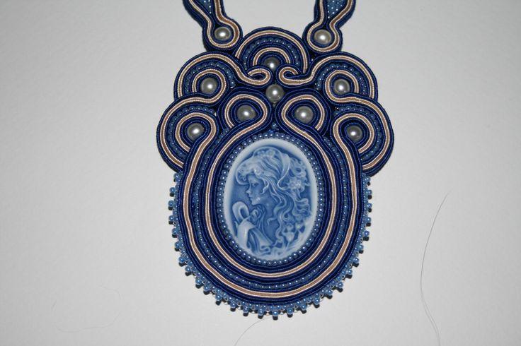 Χειροποίητο κολιέ με σουτάζ , καμέο , πέρλες και χάντρες toho.Handmade necklace with soutache , cameo, perles and beads toho.