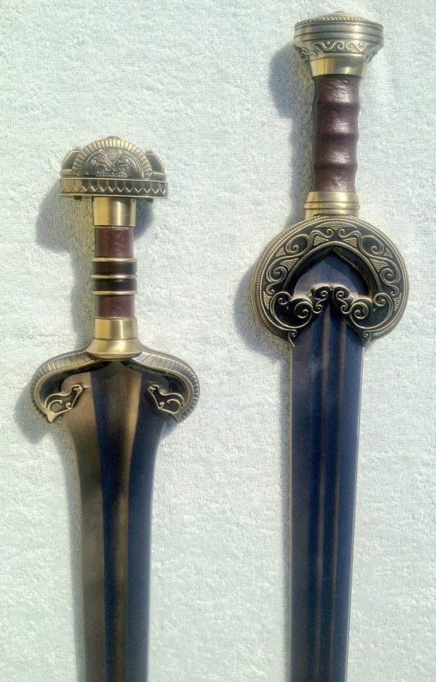 Éowyn's Sword (left) And King Theoden's (right). Awesome