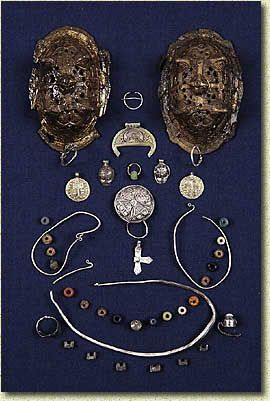 """The entire set of jewelry from Grave#1, """"Variangian Lady Guest"""" from Pskov. Good for size reference. Набор украшений из скандинавского погребения X века"""