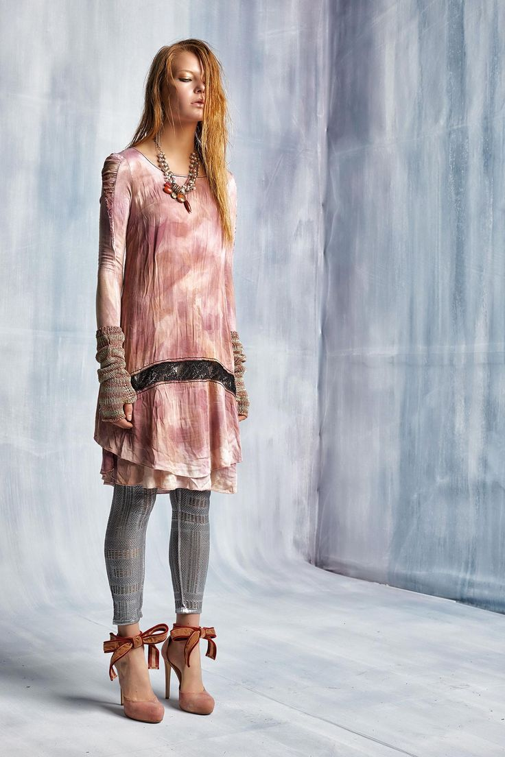 #danieladallavalle #collection #elisacavaletti #fw15 #pink #grey #dress #socks #heels