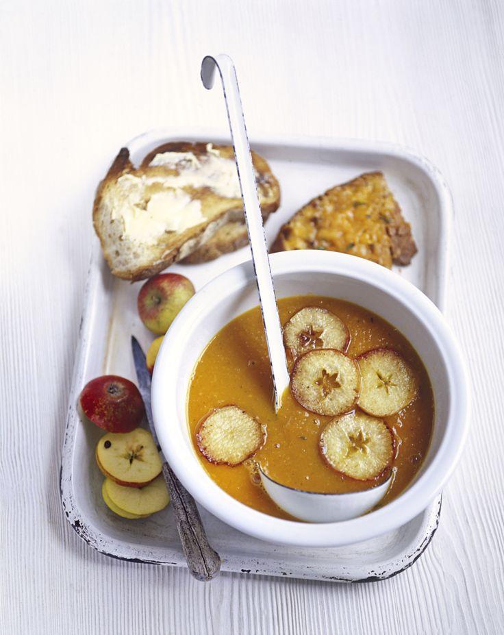 Egy forró, édeskés leves sütőtökkel, almával / Éva Magazin