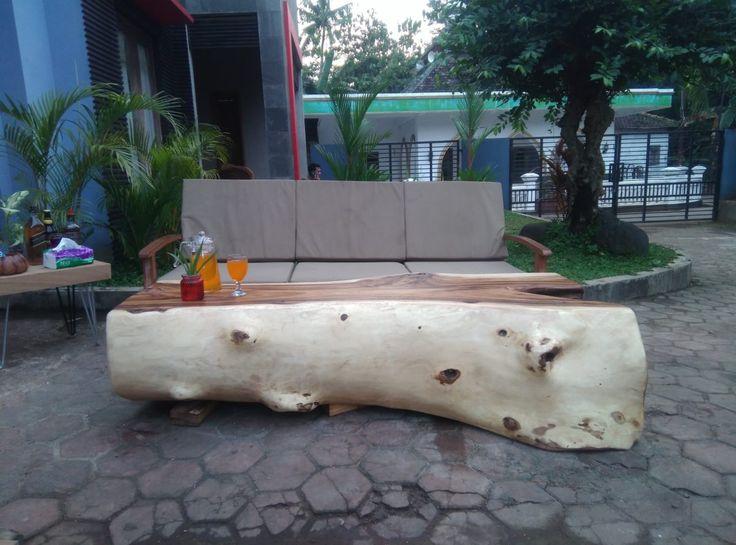 Exclusive suar wood log coffee table characteritics grains  SUAR WOOD  FURNITURE - TEAK GARDEN &