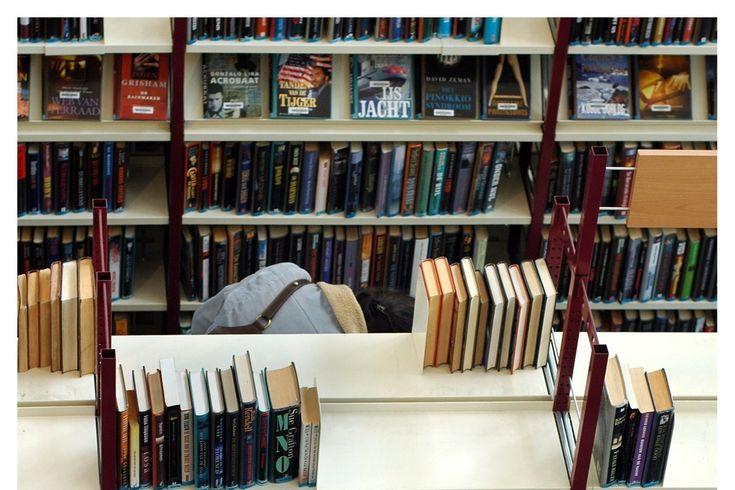 Sporen van cocaïne en herpes op bibliotheekboeken......