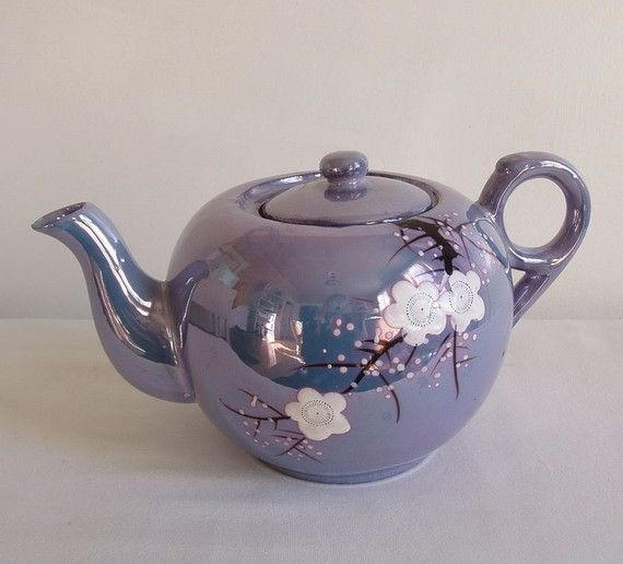 Vintage Cherry Blossom Tea Pot i have this in green plain. The sound is beautiful when putting the lid on.