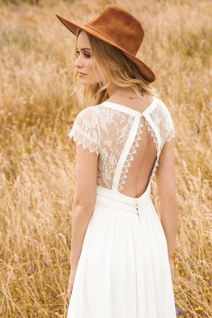 Нежное легкое свадебное платье с открытой спиной от Rembo Styling