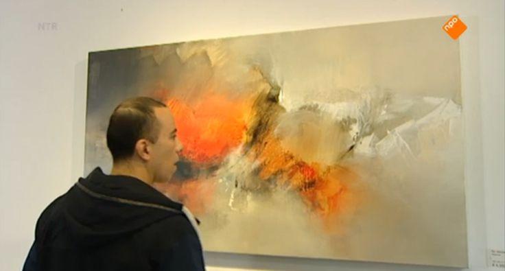 HBB Naar het museum - Fahd leest dat er een heel duur kunstwerk is gekocht door een museum. Raaf maakt zoveel kunst als hij kan, terwijl Fahd op pad gaat om het te verkopen. Lukt het ze om de kunst van Raaf te slijten aan een museum en stinkend rijk te worden? kunst  museum  verkopen