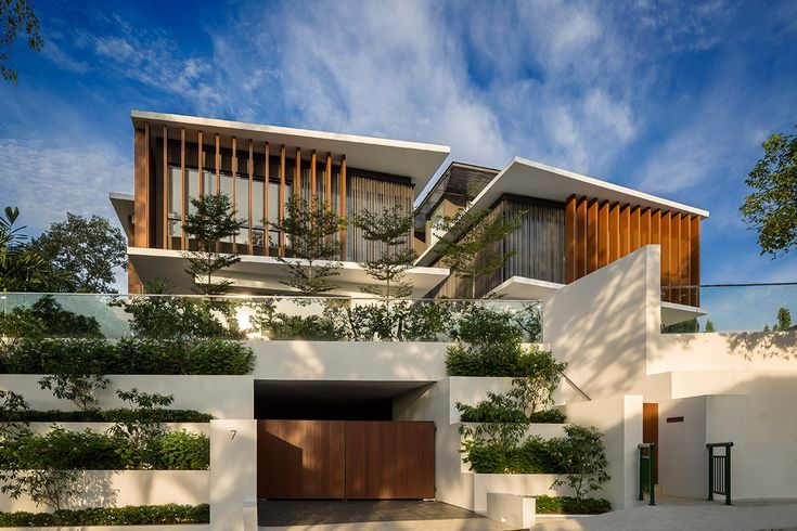 Wallflower architecture design have design and built a stunning residence atop the steep hills of