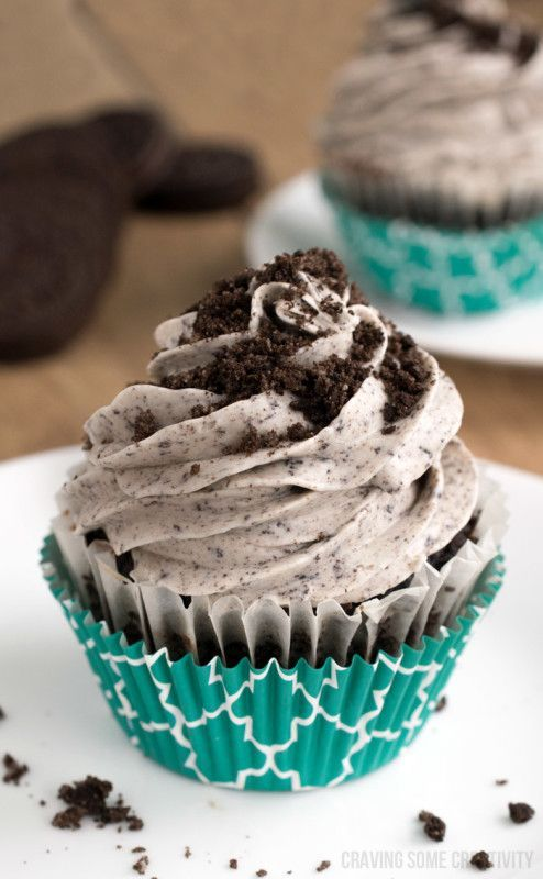 Cookies and Cream frosting with crushed Oreo cookies is divine! Cream ...
