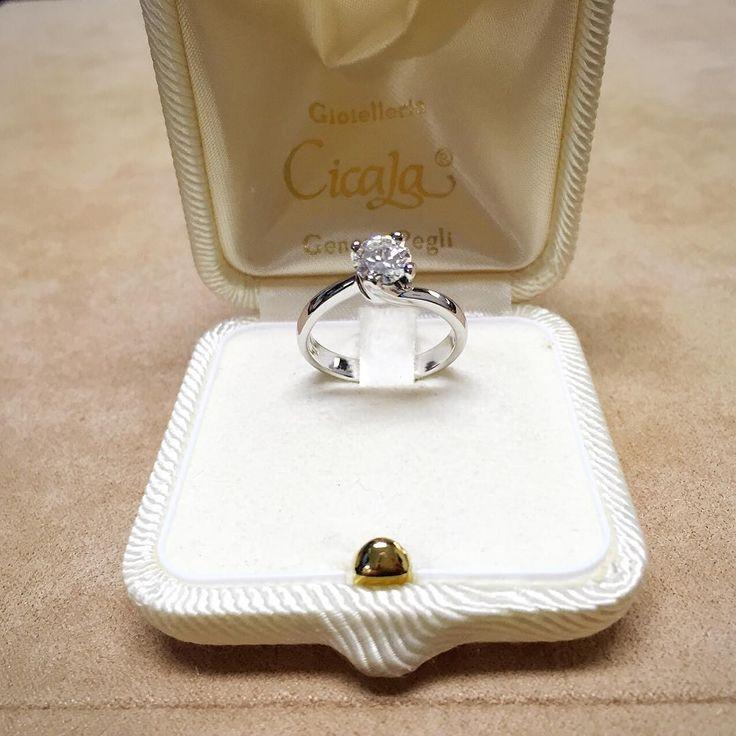 Anello solitario con diamante ct 0,87 H VVS1 - CICALA - Cicala.it