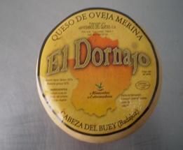 Queso Semicurado El Dornajo 1 Kg. De leche cruda de oveja merina, cremoso y corteza natural, sabor suave, olor fuerte y posgusto intenso en el paladar. Consumir entre 18-22º. Ideal acompañado de un buen vino de la tierra.    Piezas de 1 Kg.  Caja de 4 unidades.