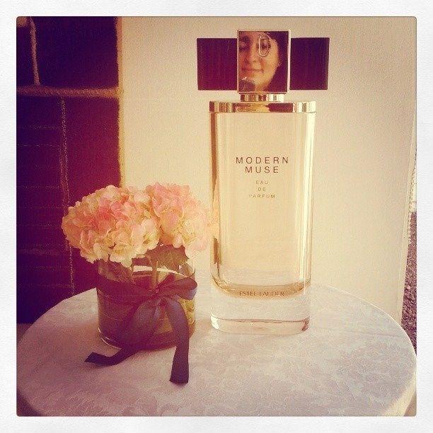 #ModernMuse, el nuevo #perfume de #EsteeLauder - EstilaEstilo.cl