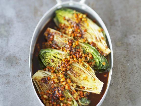 Geschmorte Salatherzen ist ein Rezept mit frischen Zutaten aus der Kategorie Gemüse. Probieren Sie dieses und weitere Rezepte von EAT SMARTER!