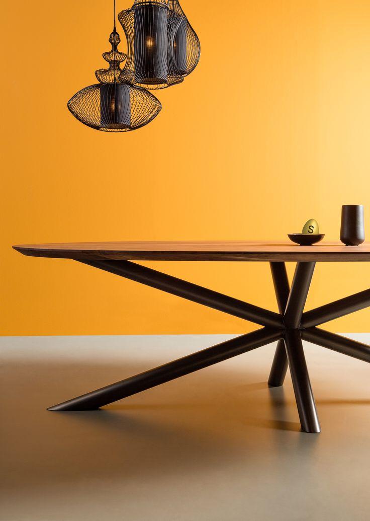De ovale vorm geeft je een knus gevoel aan tafel