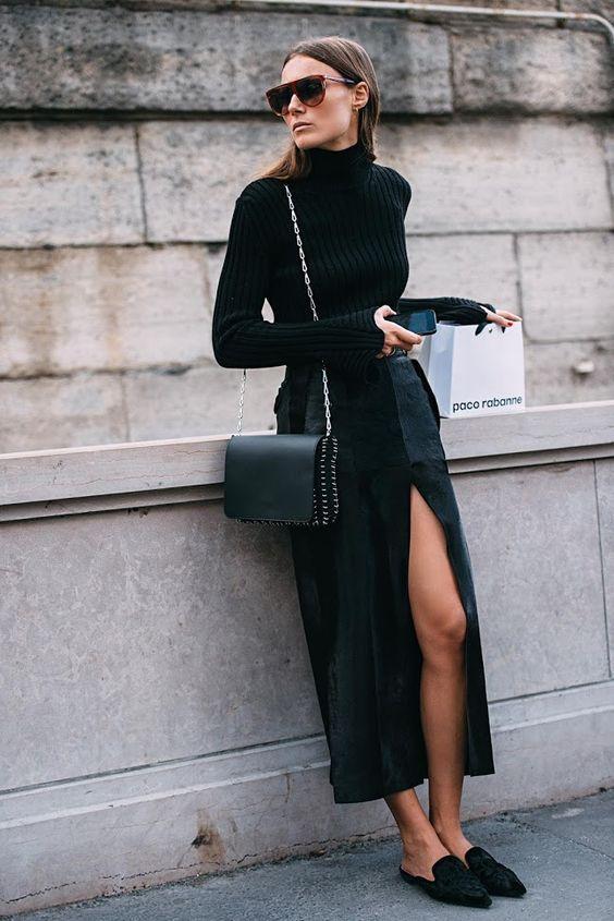 Look all black, todo preto, saia midi com fenda, mule preto