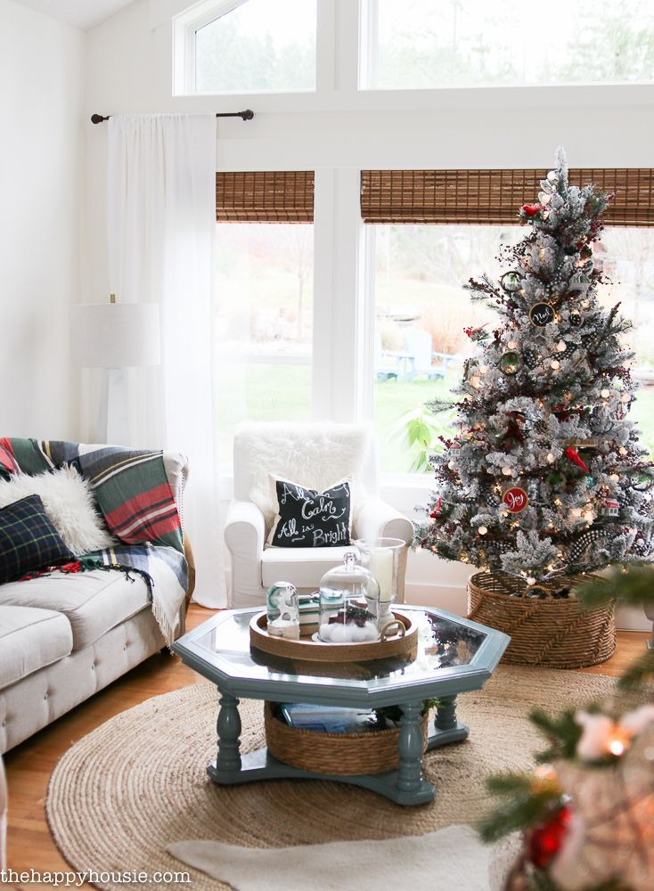 Living Room Layout With Christmas Tree Classic Christmas Living Room Tour Livingroo Christmas Living Rooms Livingroom Layout Minimalist Living Room Decor