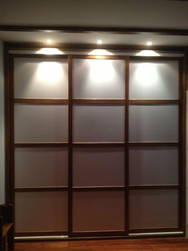 Las 25 mejores ideas sobre puertas del dormitorio en - Armarios empotrados con puertas correderas ...