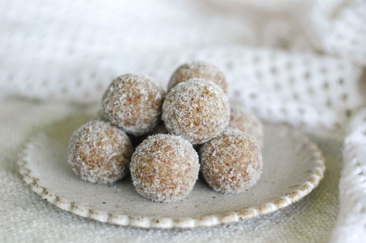 Gingerbread Bliss Balls  - The top ten healthy (and sweet) Christmas recipes going around.  Gluten free & refined sugar free - The Holistic Ingredient