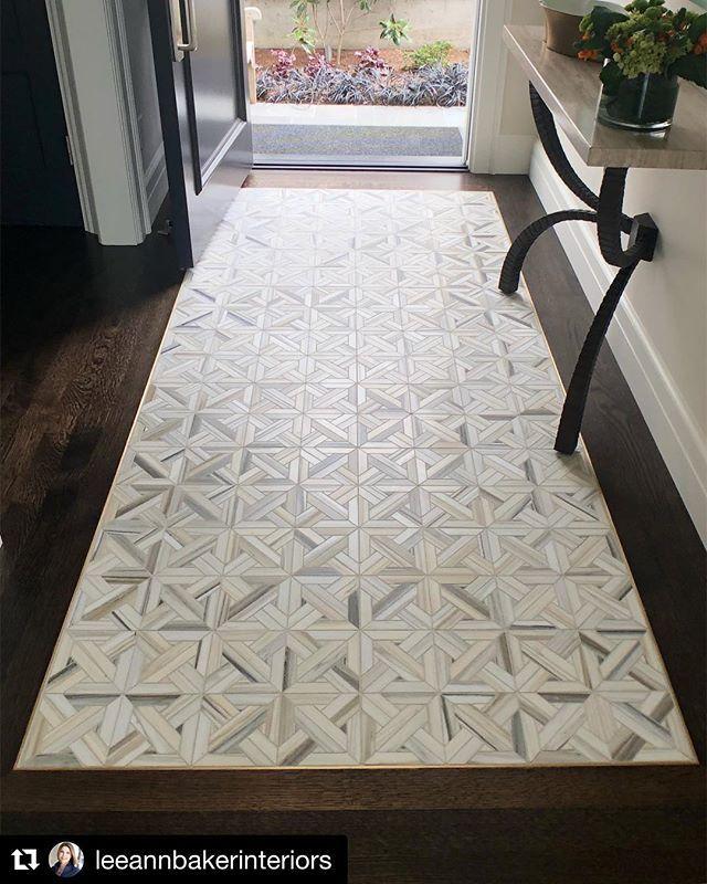 Absolutely Loving This Tile Rug Design By Leeannbakerinteriors Repost For This Mercerislandproject We Deb Entryway Tile Entryway Flooring Foyer Flooring