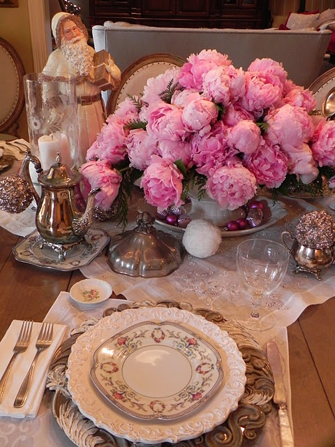 from the Holiday Decorating Contest . . .: Tables Sets, Pink Christmas, Kitchens Tables, Holidays Pink, Dinners Tables, Christmas Theme, Christmas Eve, Holidays Decor, Pink Peonies