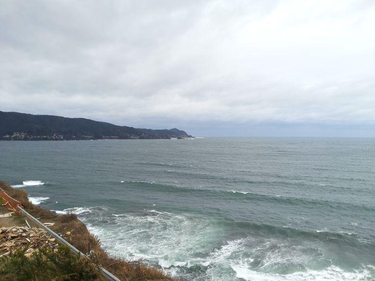 El mar austral es bello, nos humedece nuestro cuerpo terreno. Los Molinos, Niebla, Valdivia, Chile