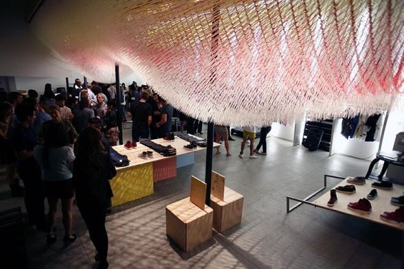 Amazing zip tie cloud installation: Commercial Interiors, Interior Design, Amazing Zip, Clothing, Zip Ties, Ceiling Precedents, Art Installations, Ceiling Install, Zip Tie Art