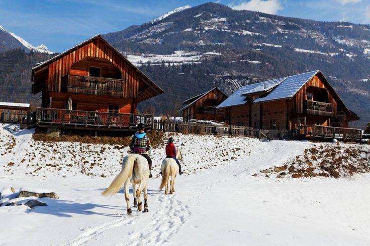 Reiten in der Winterlandschaft im Landgut Moserhof in Kärnten