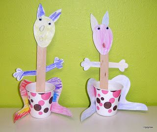 Tippytoe Crafts: marsupials -- kangaroo cups