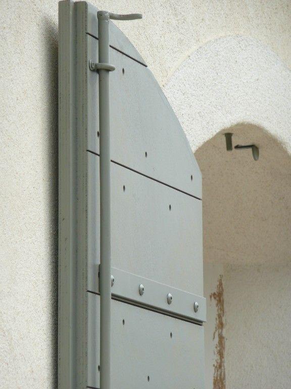 http://www.volet-bois.com/details-volets provencaux rognac-175.html