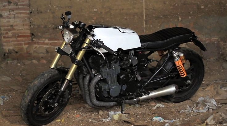 Honda CB750 Nighthawk Cafe Racer ~ Return of the Cafe Racers