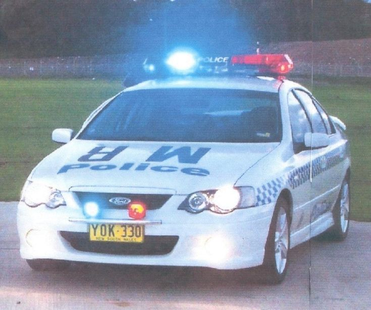 Australian Police Cars > Gallery > New South Wales Police > Image: baxr6t_1