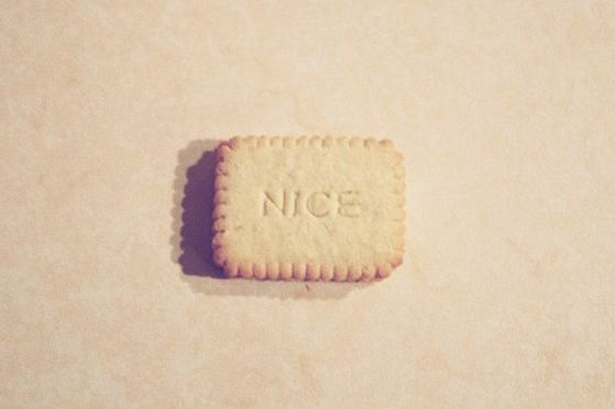 Nice!: Nice Bi, Koekj Nice, Candy, Eating, Nice Petite Beurre, Eye