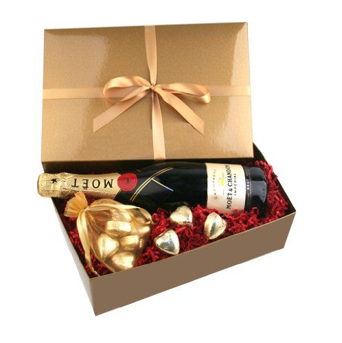 Socially Conveyed via WeLikedThis.co.uk - The UK's Finest Products -   Moet Chandon Champagne and Chocolates Gift http://welikedthis.co.uk/moet-chandon-champagne-and-chocolates-gift