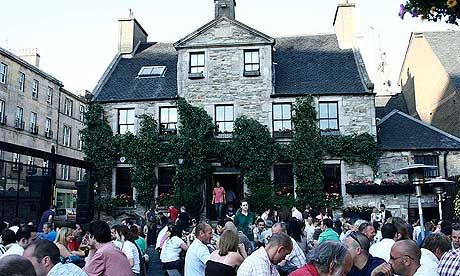 10 of the best pubs in Edinburgh.   I turn 21 in April. It's gonna be so cool to say my first few legal drops were in Scotland.