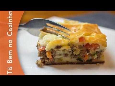 Aprenda a fazer uma deliciosa receita de torta salgada de liquidificador. Desta vez, ensinamos a fazer com carne moída e queijo cremoso. Imperdível! INSCREVA...
